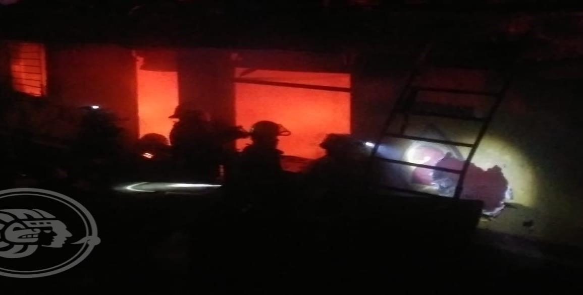 Se incendia taller abandonado en la colonia Benito Juárez