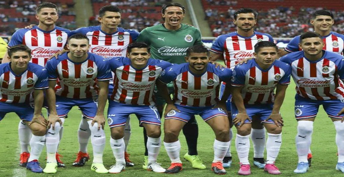 Chivas pone a siete jugadores transferibles