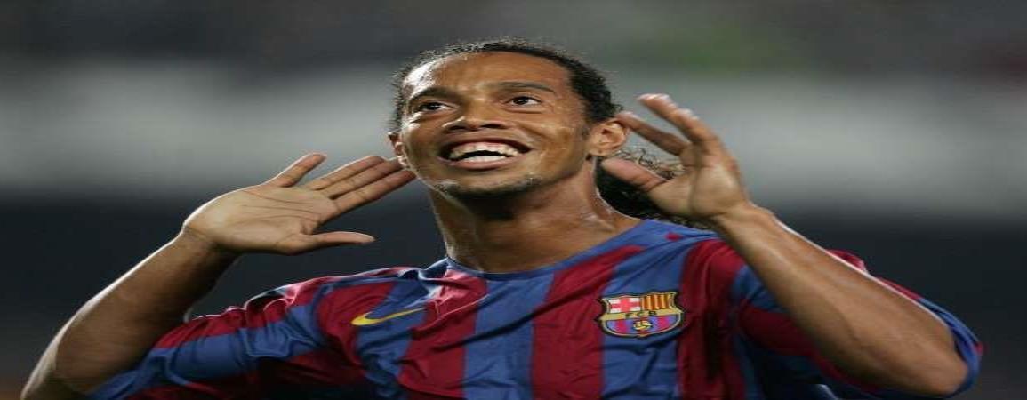 Ronaldinho se va del estadio antes de terminar su partido de despedida
