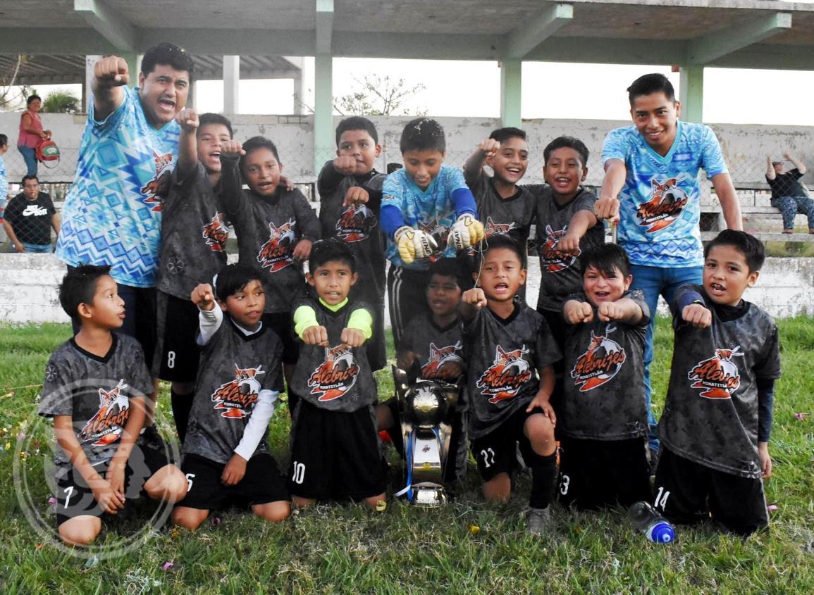 Alebrijes se ciña la corona en el futbol de la Liga Menor Coatza