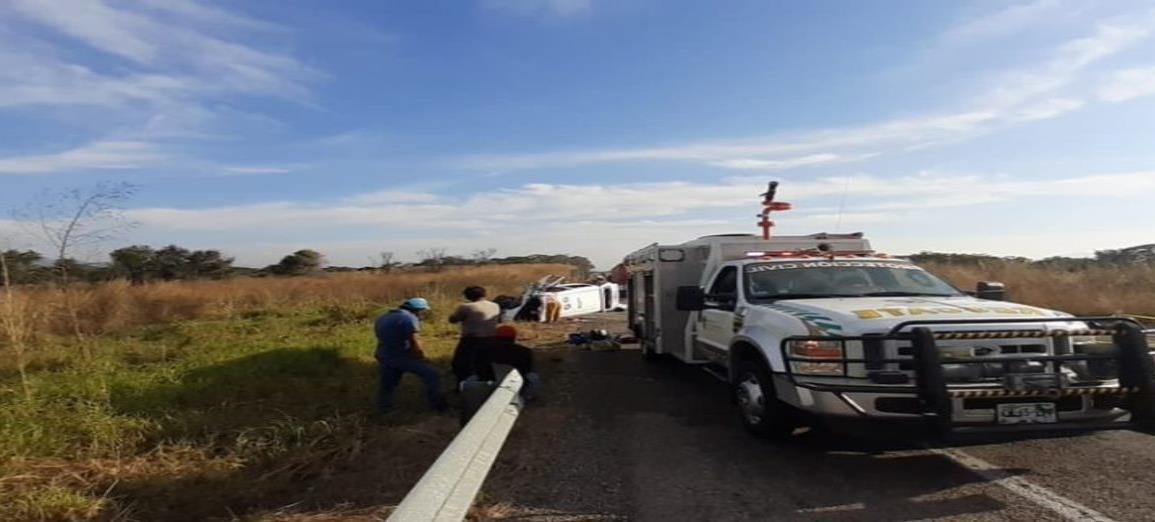 Al menos 11 personas murieron en choque en carretera de Chiapas