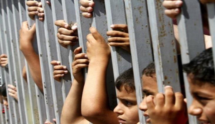 Juez ordena a Trump liberar a niños migrantes por Covid-19