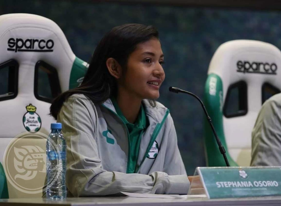 La nanchiteca Isela Stephania Osorio se pondrá la playera de Santos Lagunas