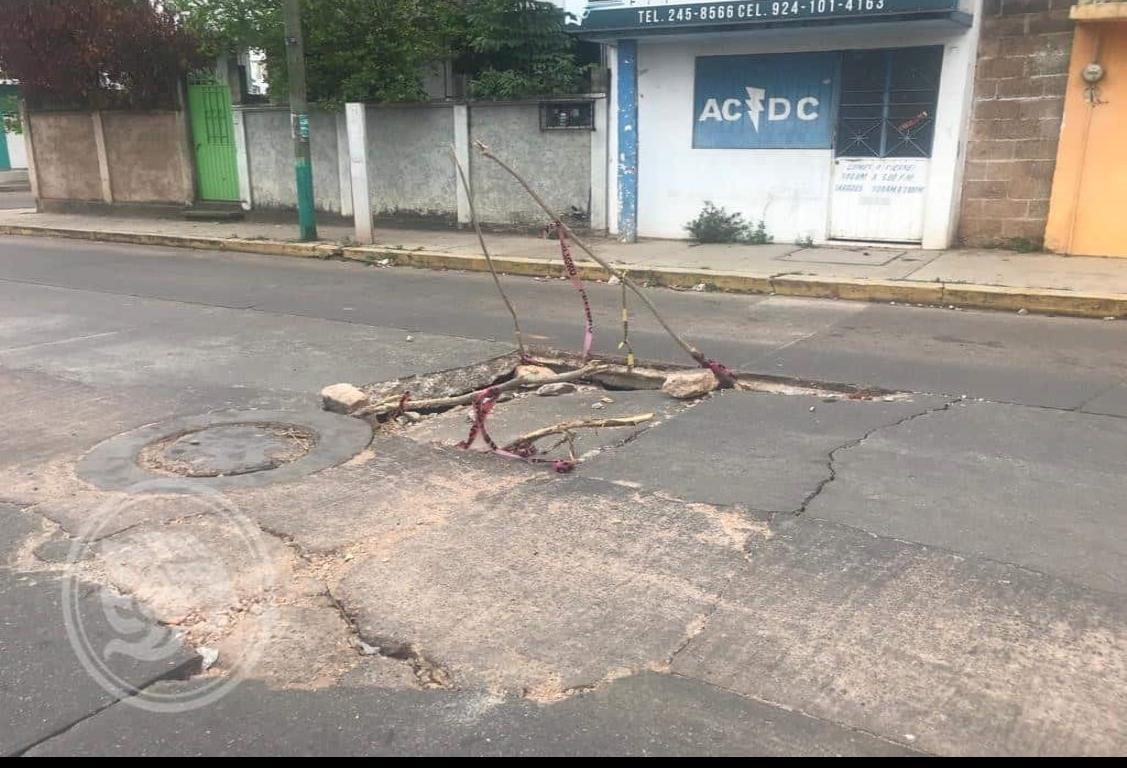 Hundimientos son responsabilidad de CAEV en Acayucan