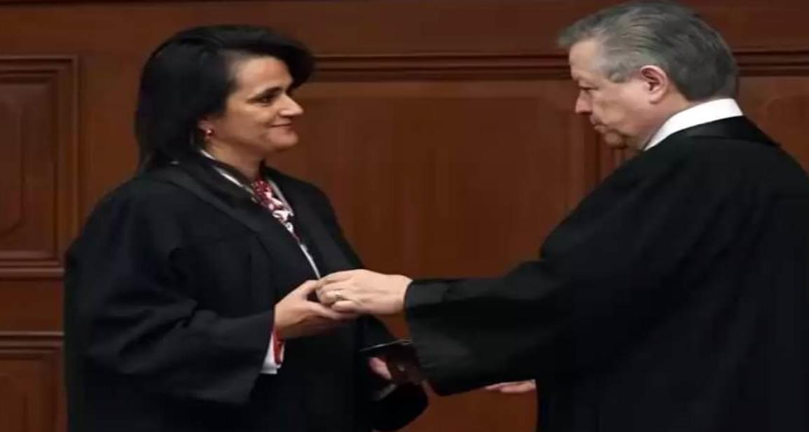 Margarita Ríos-Farjat es investida como ministra de la Suprema Corte