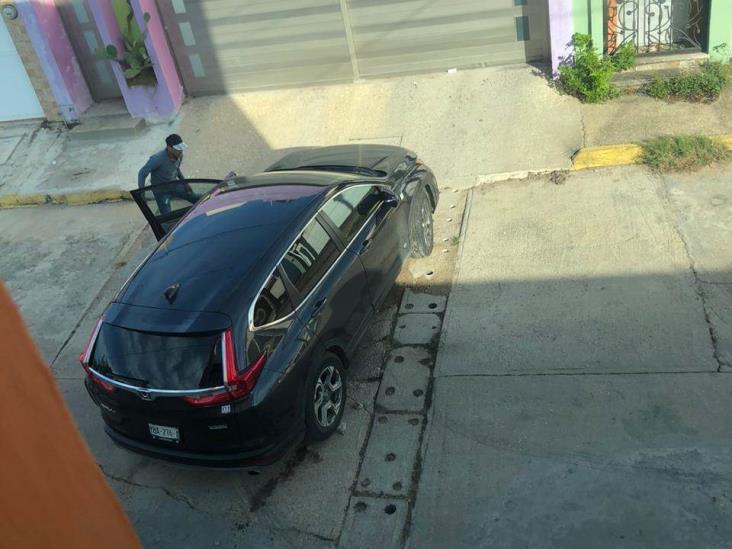 Delincuentes intentan robar automóviles de domicilio en Coatzacoalcos