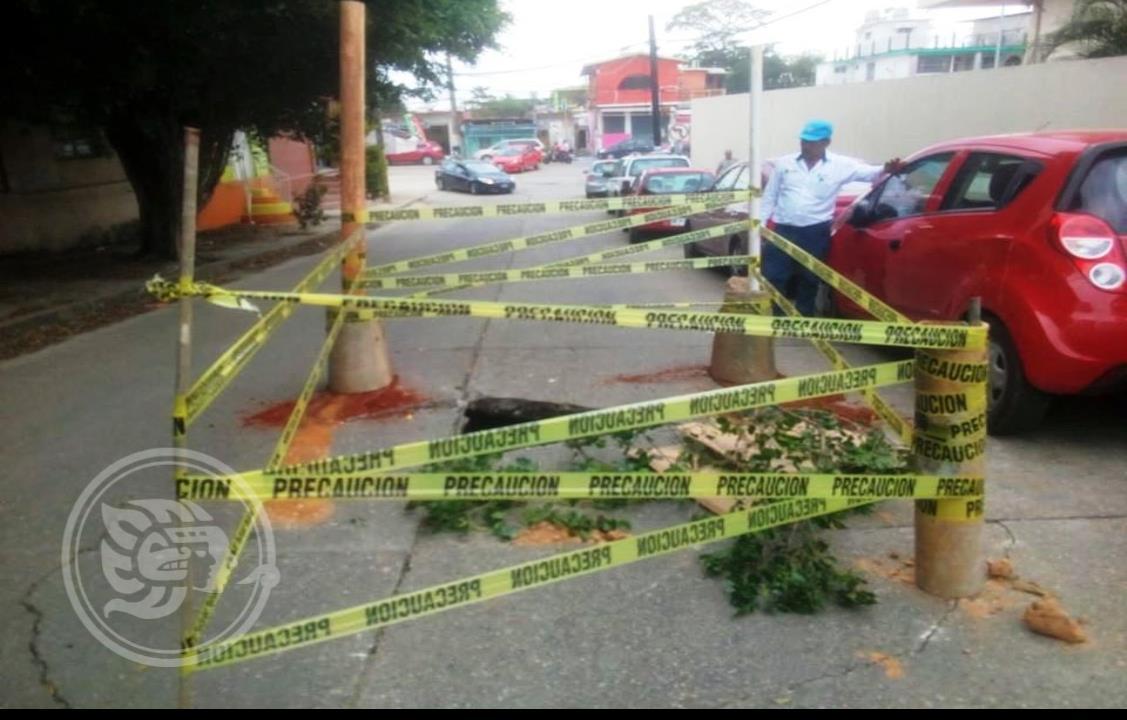 Calles de Minatitlán se caen a pedazos