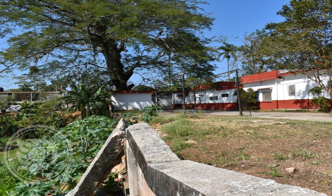 Buscan mejorar la escuela de Enfermería de Acayucan