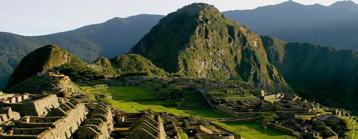 Turistas argentinos fueron detenidos por defecar y provocar daños en Machu Pichu