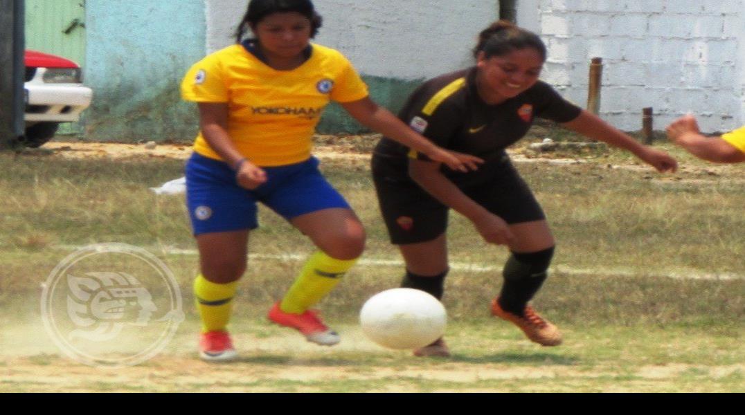 Amazonas domina el Futbol  Femenil Siete de Agua Dulce