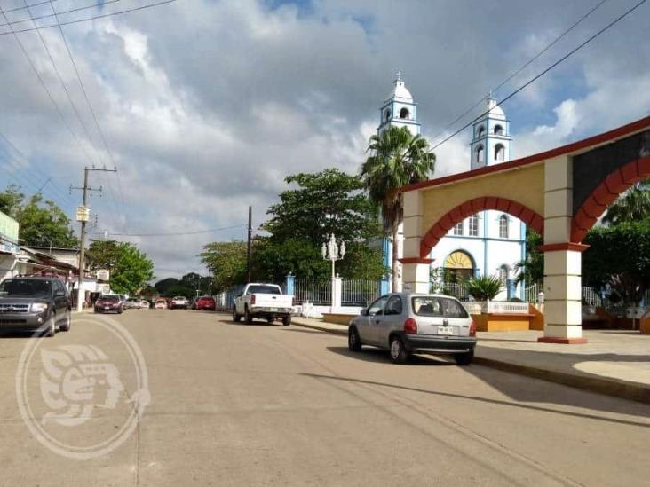Sin equipos de cómputo 600 alumnos de Pajapan