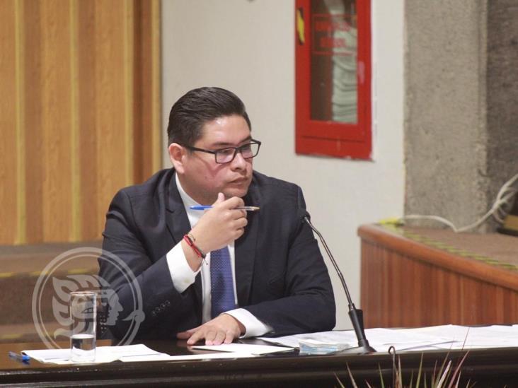 Aceptan en IVAI reducir salario y ganar menos que Gobernador de Veracruz