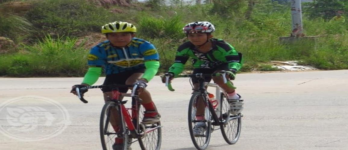Celebraron carrera ciclista de exhibición en Acayucan