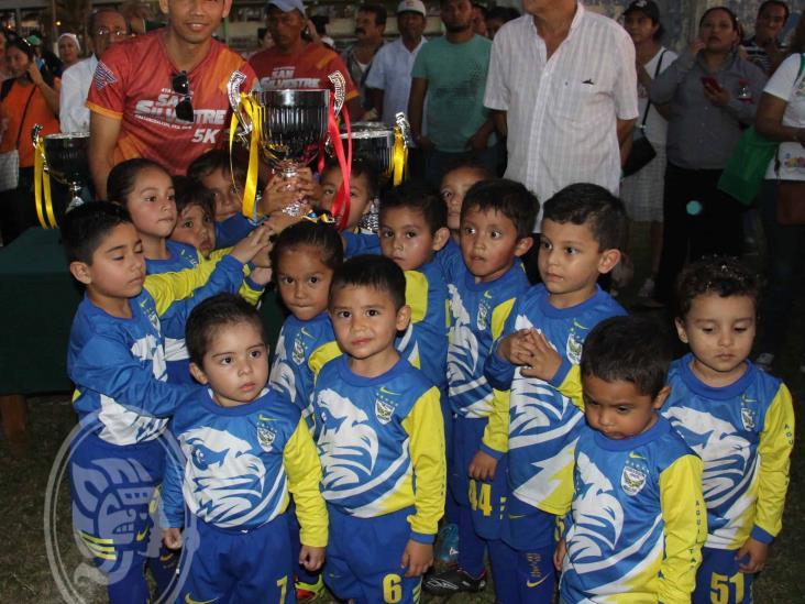 Vitorean a los campeones de la 9a. Copa Galgos Coatza 2020