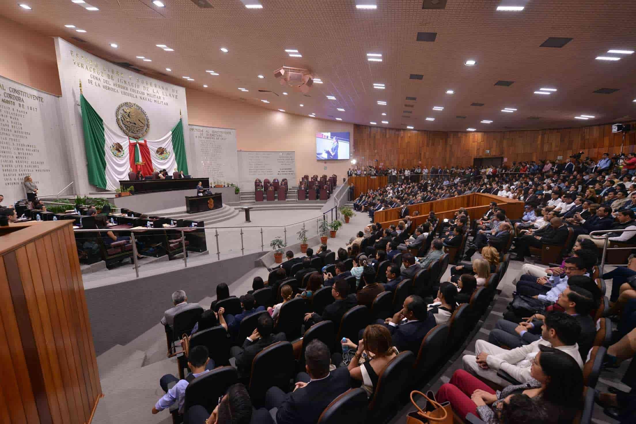 Revocan mandato de alcalde y síndica de Actopan