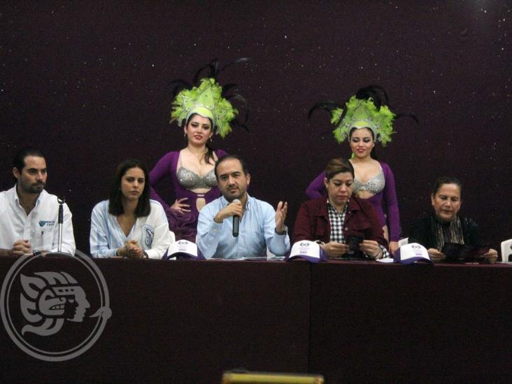 Fernando Yunes presenta en Coatza el Carnaval de Veracruz