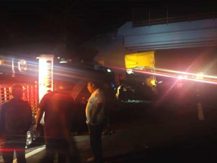 Muere acompañante de trailero en choque sobre la Isla – Acayucan