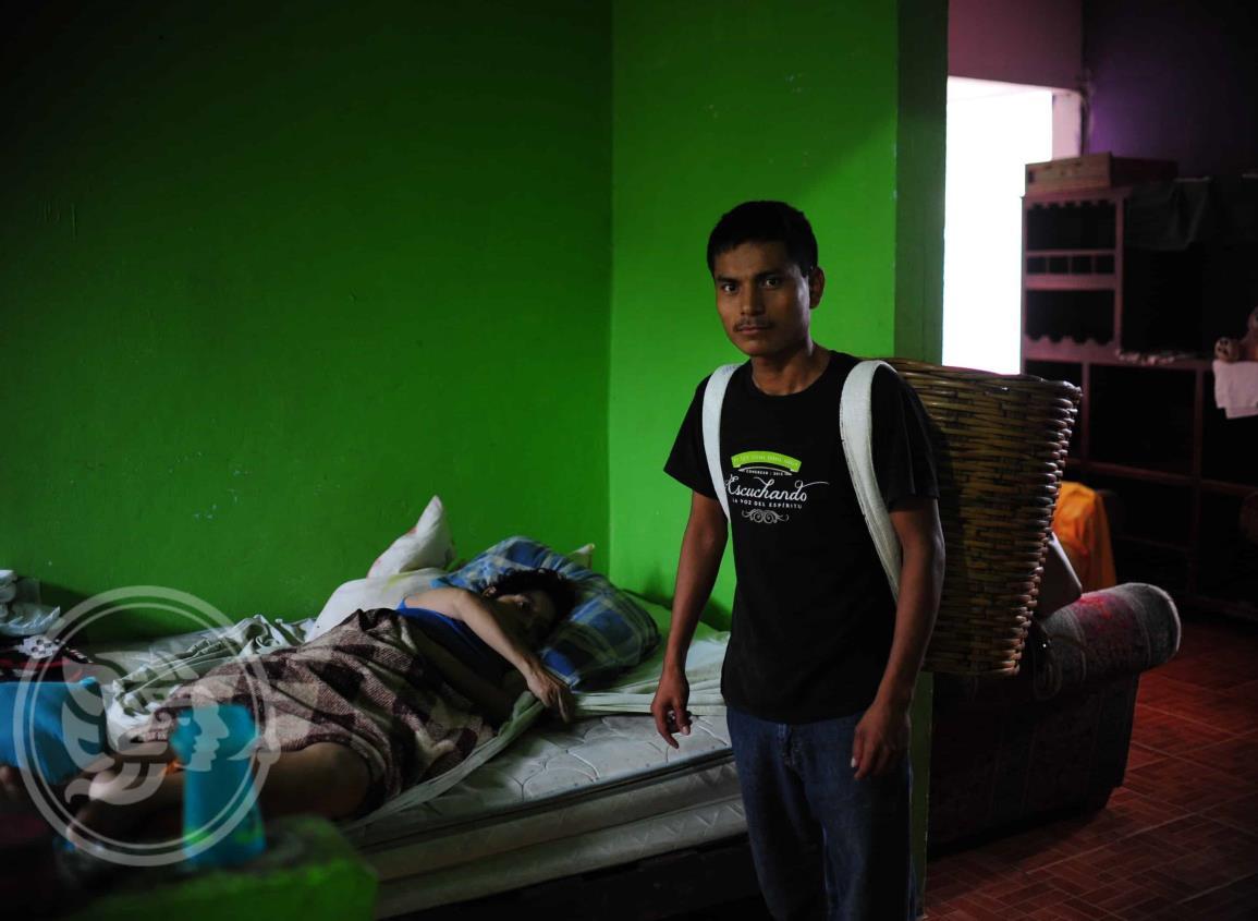 Jazmín pide apoyo para ayudar a su hermana quien se encuentra en cama a causa de un derrame cerebral