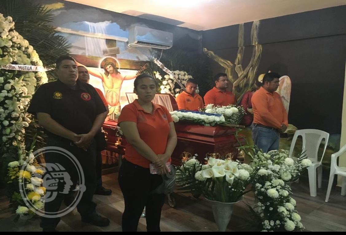 Se despiden de Rojo 5; amigos y familiares le dieron el último adiós