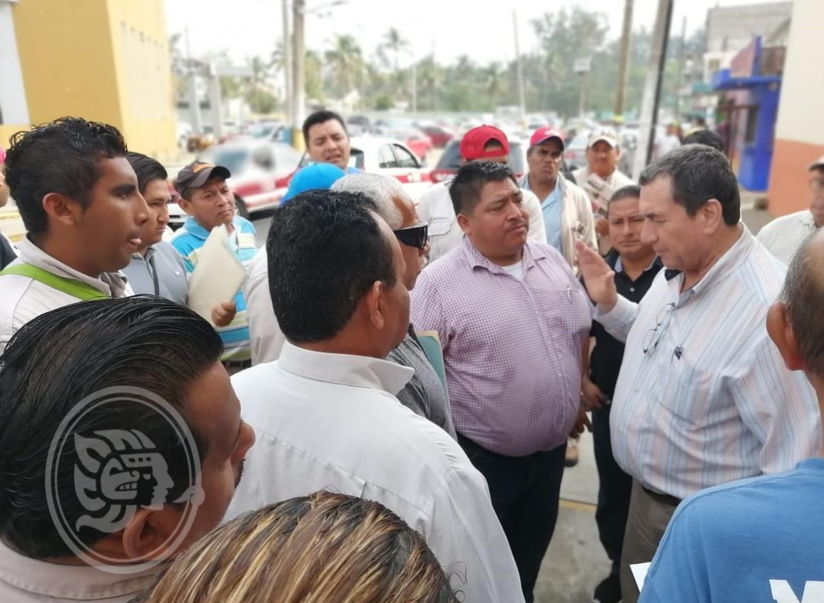 Petroleros se manifiestan en exigencia de plaza definitiva