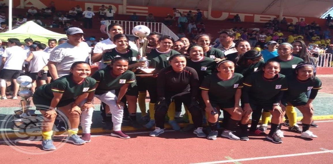 Selección de Futbol Femenil Zona Sur logra título en la Espartaqueada