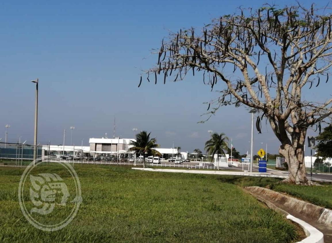 Por iniciar la remodelación del aeropuerto de Minatitlán