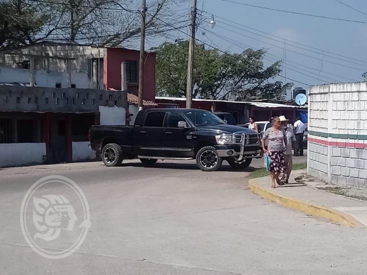 En Isla, manifestantes incendian vehículo de la Fuerza Civil; hay 12 detenidos