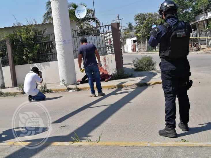 Sicarios persiguen y ejecutan a hombre en Coatzacoalcos