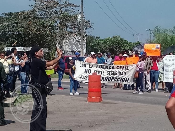 Fuerza Civil dispara contra manifestantes en Isla; 12 detenidos