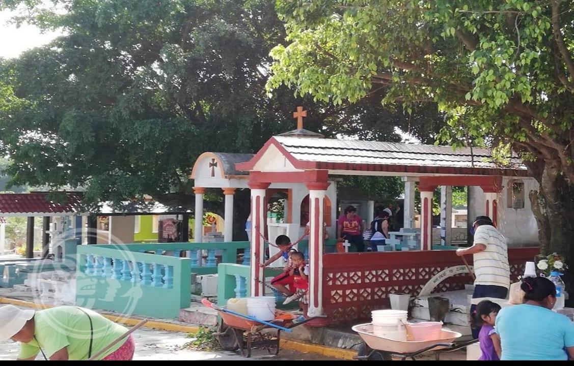 Minatitlán aumenta tarifas en servicios de panteones