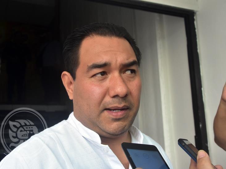 Por amenazas, policías escoltan a secretario de Gobernación en Coatzacoalcos