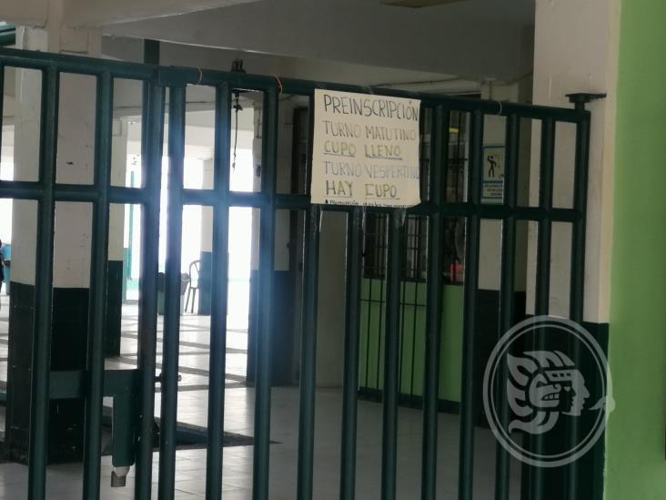 Transcurren en calma preinscripciones a primarias de Tuxpan