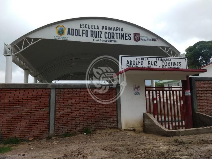 Piden apoyo para cambiar cableado en primaria de Poza Rica