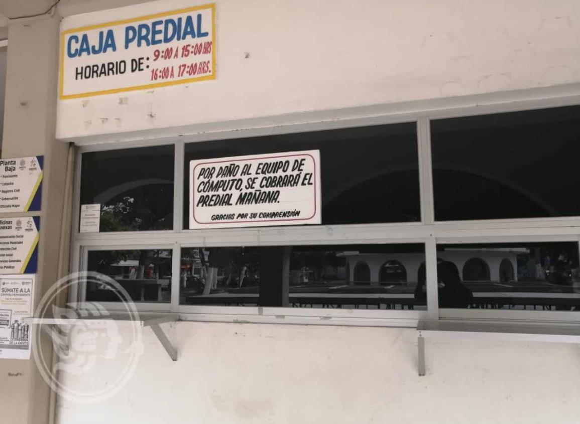 Apagón atrasa trámites en Ayuntamiento de Nanchital
