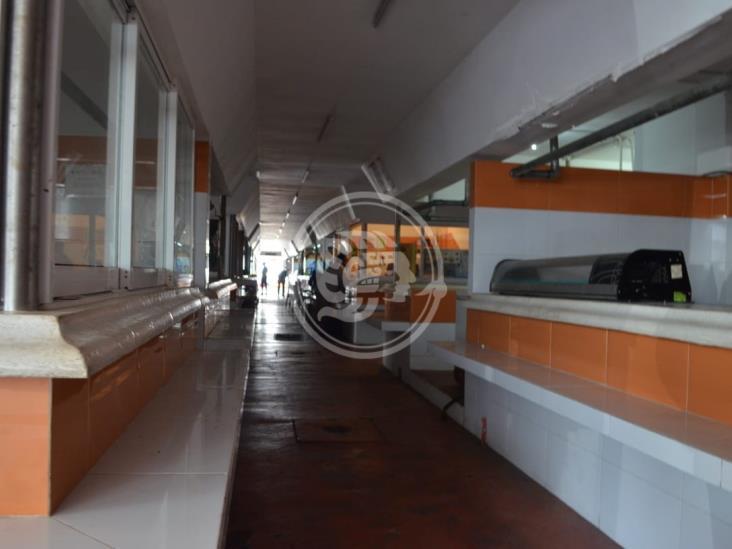 Delincuentes roban cables de luz en mercado Hidalgo de Veracruz