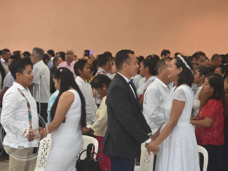 Legalizan su unión, 250 parejas en Coatzacoalcos
