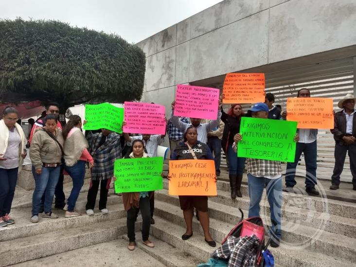 Frente a FGE, empleadas de Jamapa niegan haber sido reinstaladas