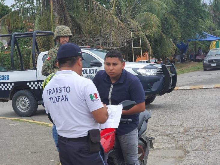 Endurecen operativos contra motociclistas y automovilistas en Tuxpan