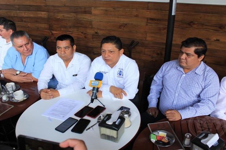 Por amenazas y represalias, empleados del Poder Ejecutivo amagan con ir ante CNDH