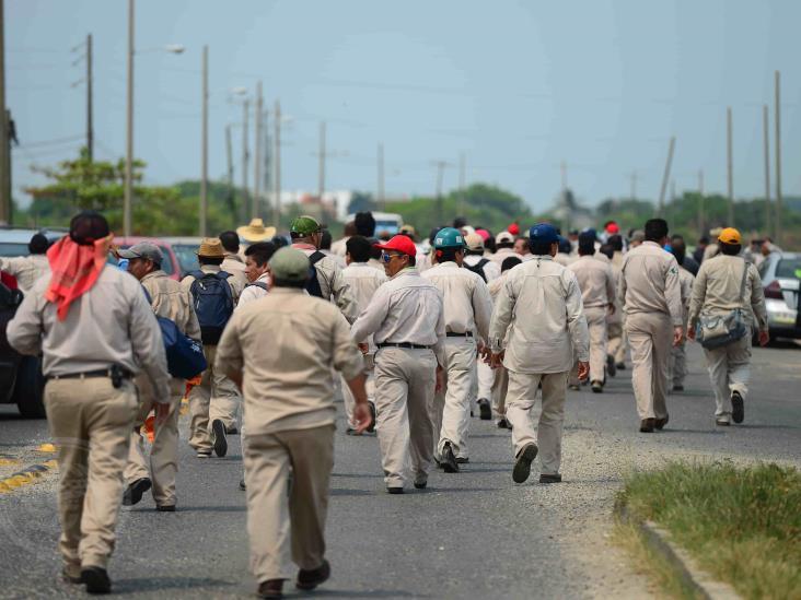 Coronavirus frenó reposición de plazas en Pemex; urge cubrir vacantes