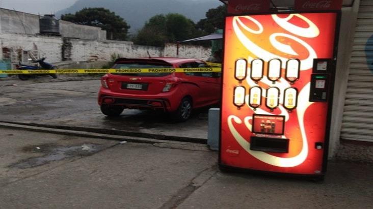 Encapuchados armados secuestran a hombre en Nogales
