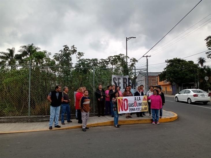 Rechazan vecinos de Orizaba construcción de una gasolinera