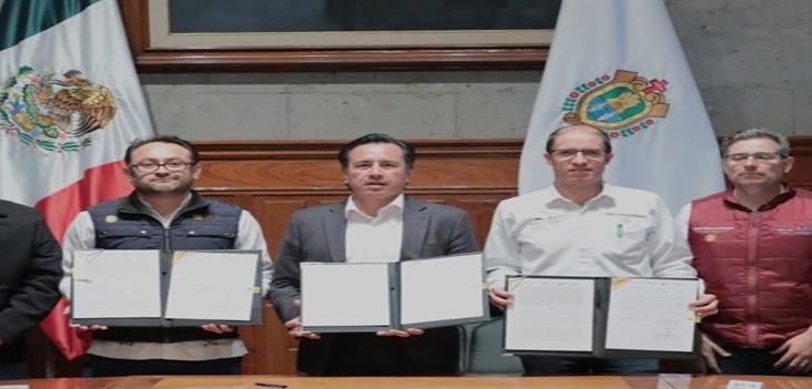 Designa Cuitláhuac comité para ejecutar proyecto del Tren Ligero de Xalapa