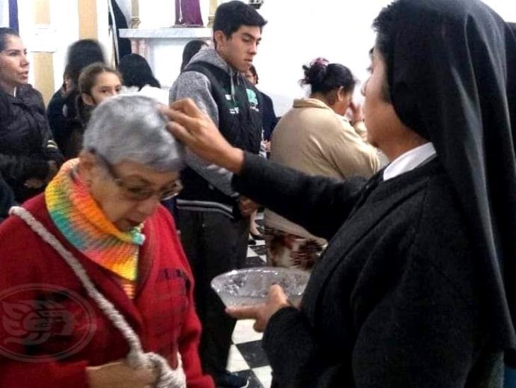 En Tuxpan, católicos acuden al Miércoles de Ceniza