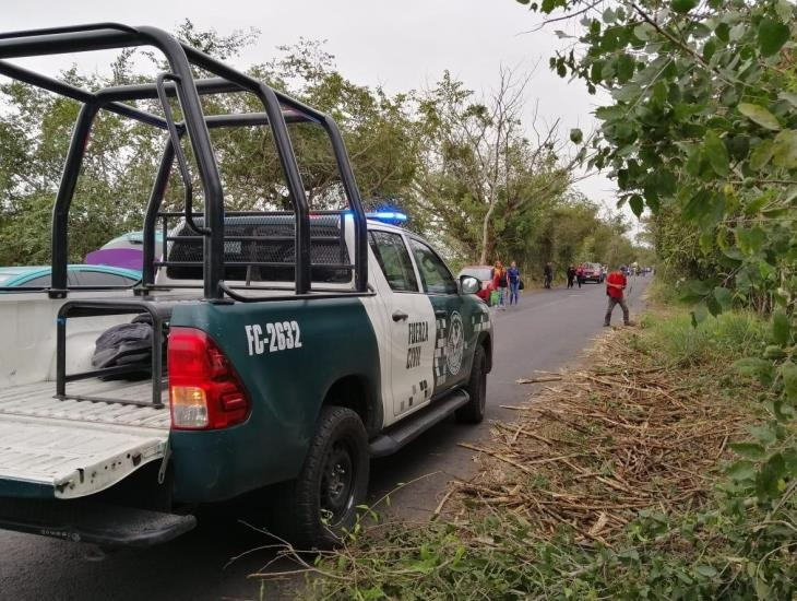 Choca patrulla de Fuerza Civil contra motocicleta; un fallecido