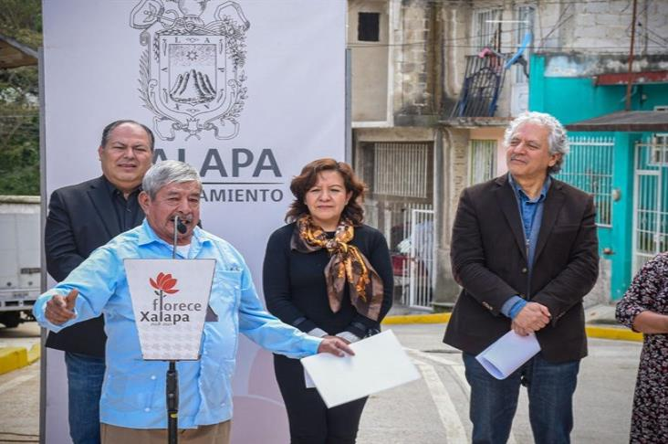 Llega desarrollo social a colonia Moctezuma, en Xalapa