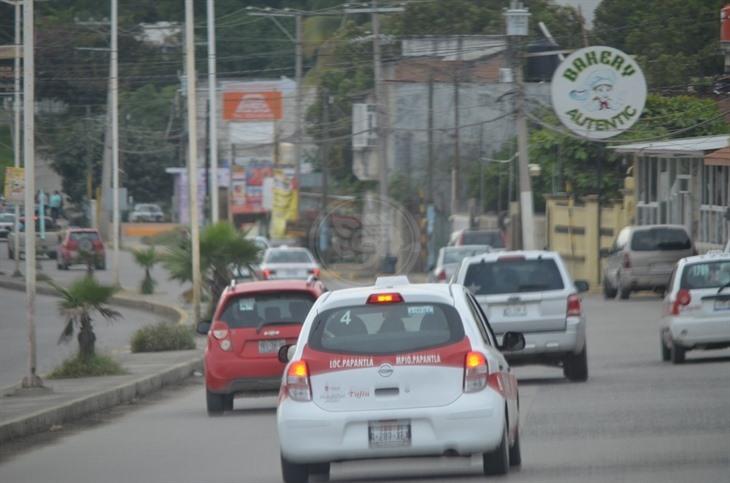 Son baches un dolor de cabeza para taxistas de Poza Rica