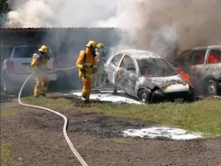Incendio en taller de Orizaba deja un lesionado