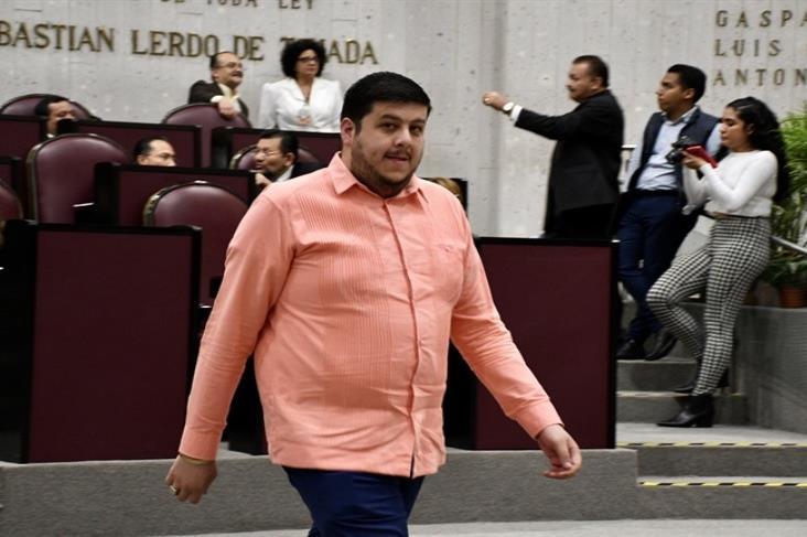 Erik Aguilar no acude a audiencia ante juez; FGE podría aprehenderlo