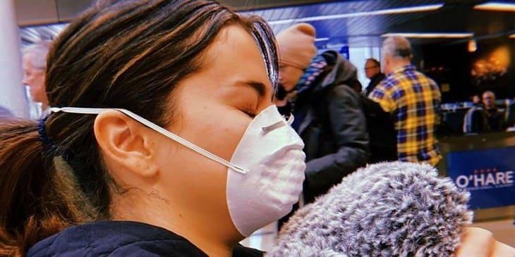 Selena Gomez se protege del coronavirus en su visita a Chicago